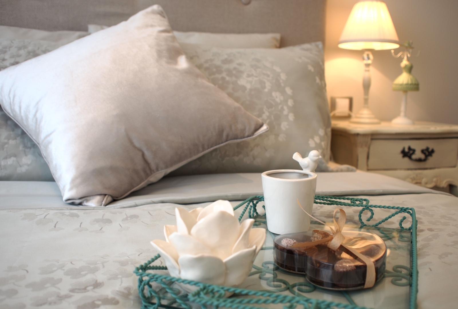 Първокачественото спално бельо е задължително за луксозна спалня